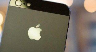 Топ-менеджер Samsung назвал iPhone «цунами» которое необходимо «нейтрализовать»