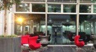 В сети появились фотографии нового здания европейского отделения Apple