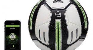 Apple начала продажи «умных» мячей Adidas miCoach [видео]
