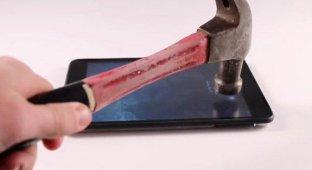 Трехслойная пленка BodyGuardz ScreenGuardz защитит экран iPhone и iPad от удара молотка [видео]