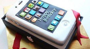 iPhone исполнилось 7 лет