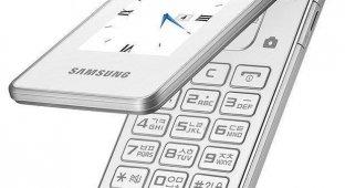 Samsung хочет конкурировать с iPhone с помощью телефона-«раскладушки» за 12 000 рублей