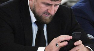Поклонник iPhone Рамзан Кадыров заказал себе YotaPhone 2
