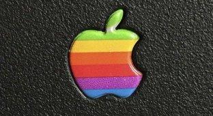 Почему Apple перестала использовать радужный логотип